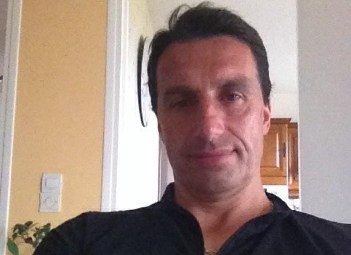 Homme 45 ans pour rencontre coquine et massage sen.