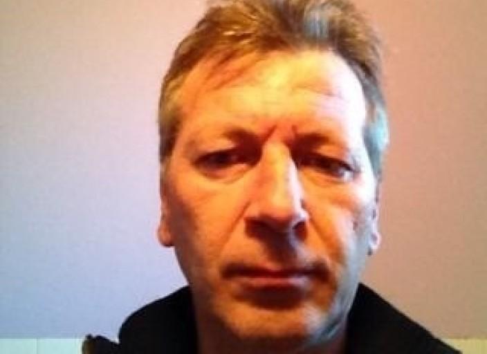 Homme marié,46ans.dans lAin.chatain yeux bleu.je.