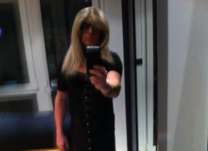 J'aime être en tenue de femme sexy aime être.