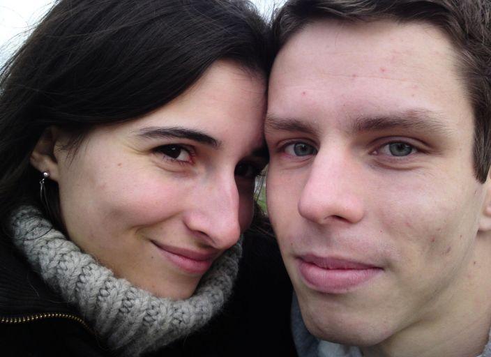 Jeune couple cherche femme bi