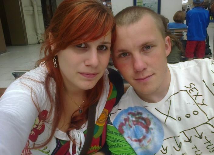 jeune couple cherche jeune femme bi