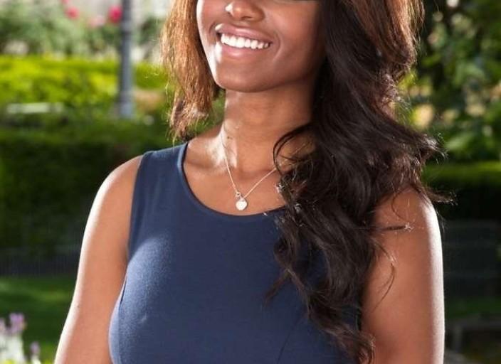 Jeune black 20a cherche femme blanche dominatrice