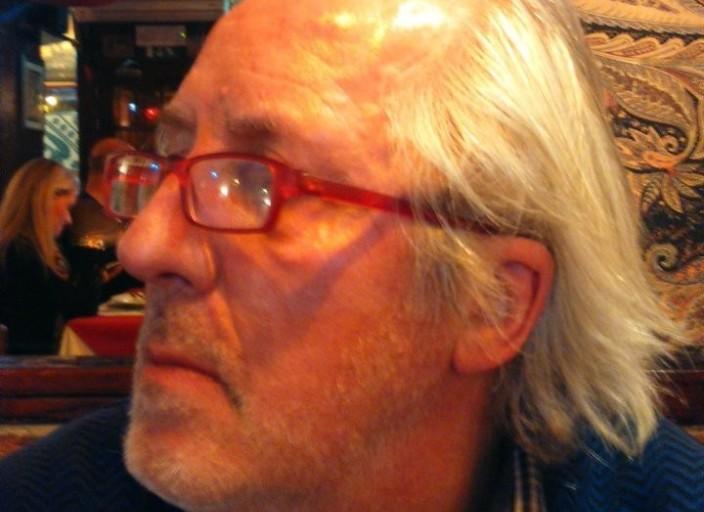Bruxelles, homme de 65 ans, 1m80, 92 kg,.