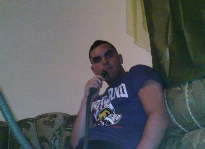 Mehdi jeune homme 23 ans du 92 pour Demoizelle