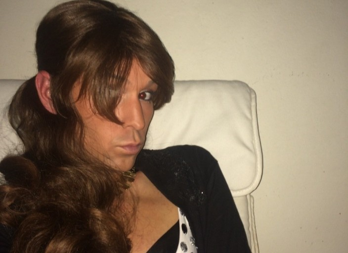 Jeune trav sexy féminine