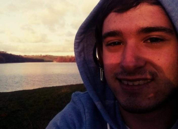 Jh de 20 ans novice cherche trav ou trans feminine
