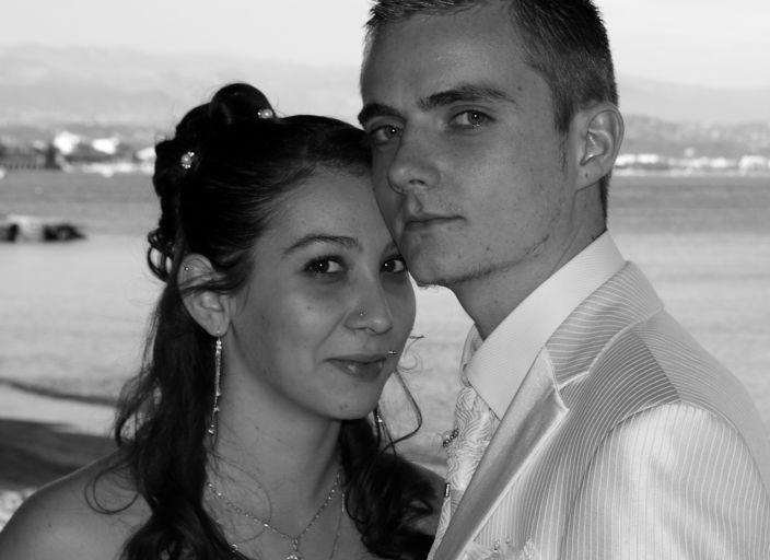 Jeune couple recherche jeune femme