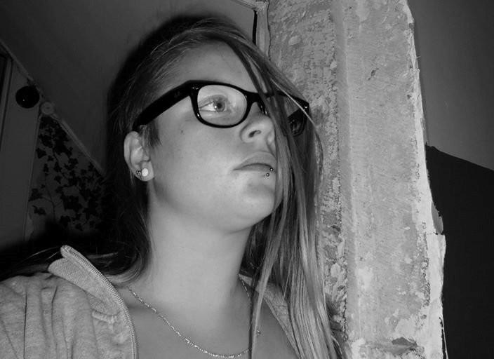 Jeune femme (22ans) recherche