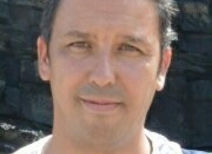 Bonjour Antonio 43 ans , 1m82, brun Recherche des.