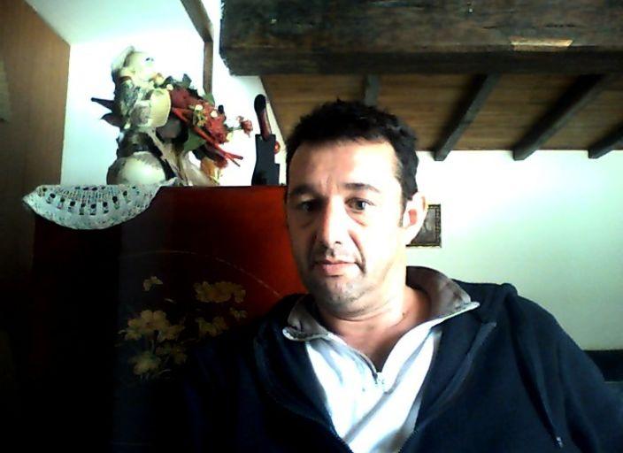 CHERCHE DES RENCONTRES DISCRETES POUR APRES MIDI R.