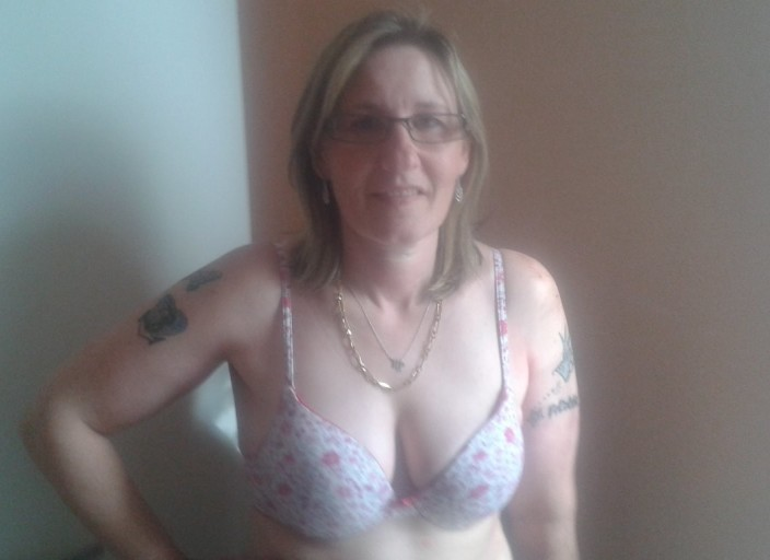 Femme bi cherche femme bi pour moment de plaisir e.