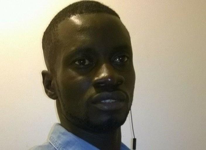 Jeune black man aimerais faire des rencontre sans.