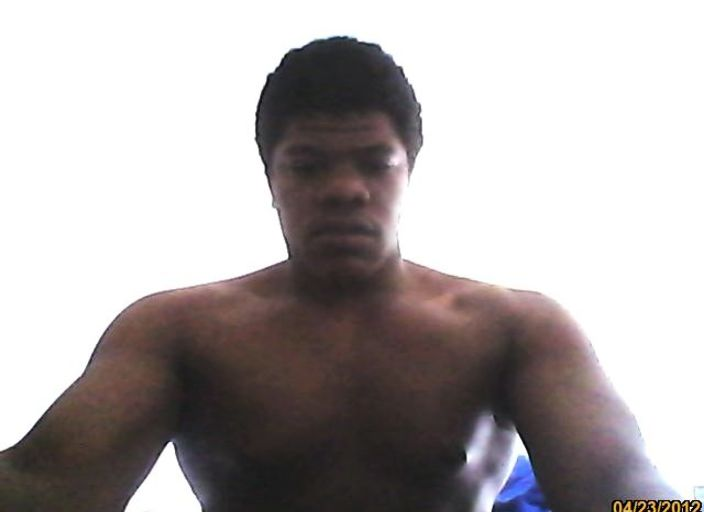 jeune homme black pour mature