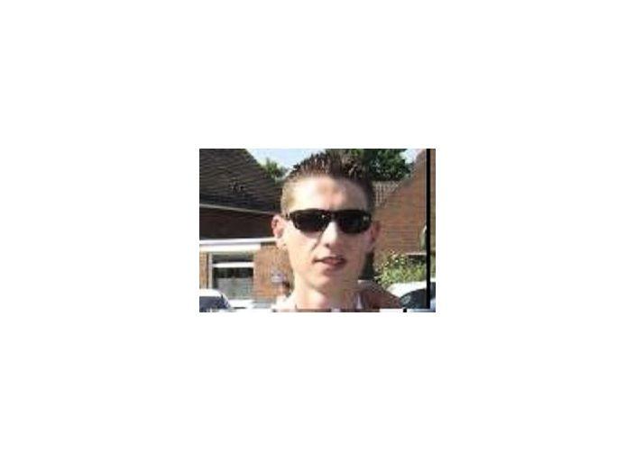 Jeune homme, 24 ans, actif et sportif, recherche jeune.