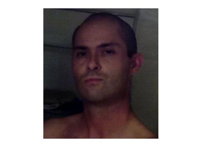 Homme 37 ans brun yeux marrons 1m82 73kg sans tabous.