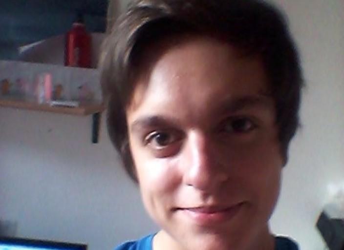 cherche trans domi , jeune homme de paris :)