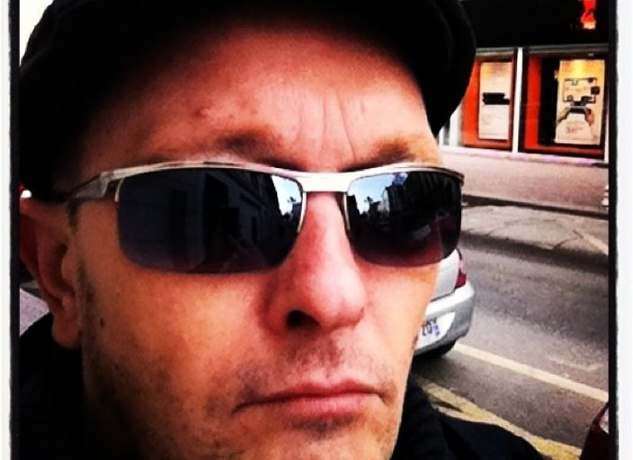 Homme très coquin de 40 ans 1.80 yeux vert cheveu.