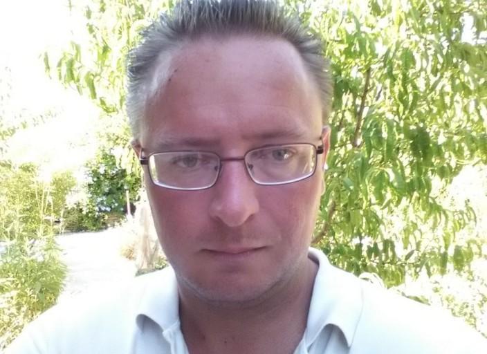 Alexandre, 40ans, célibataire cherchant à refaire sa.