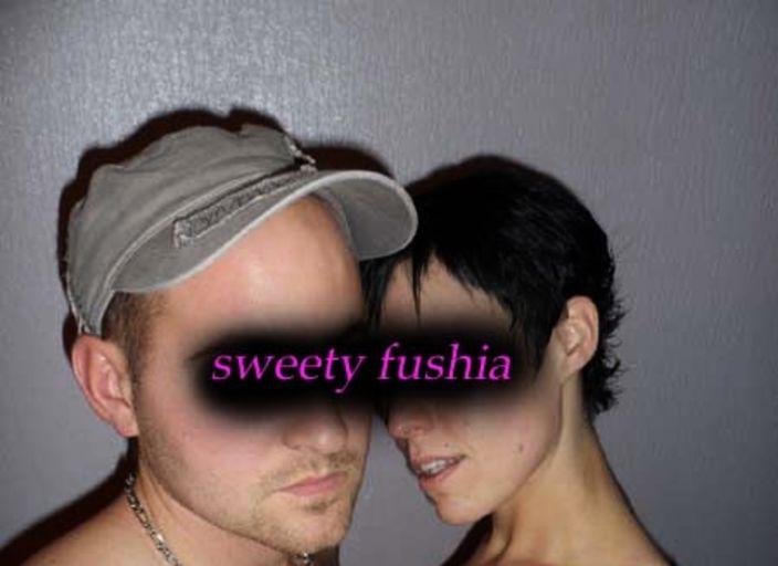 jeune couple cherche une partenaire de jeux