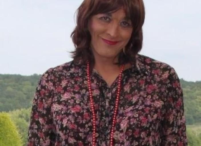 Travestie cherche travestie ou femme pour relation.