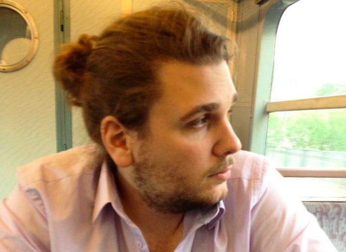 Jeune homme cherche femme ou couple de 18à50ans p.