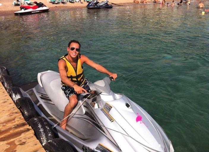 Jeune homme type méditerranéen pour rencontres :-)
