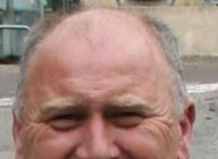 homme 57 ans ,non bi, respectueux , doux, désire.