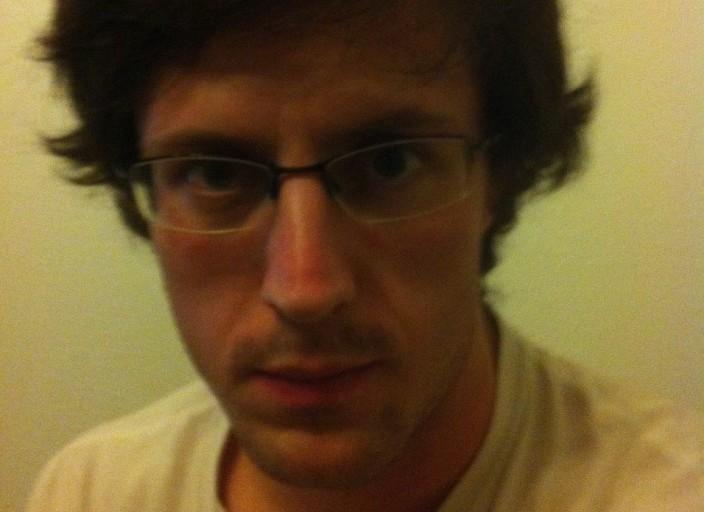 Jeune homme de 27 ans, cherche femme mûre, douce pour.