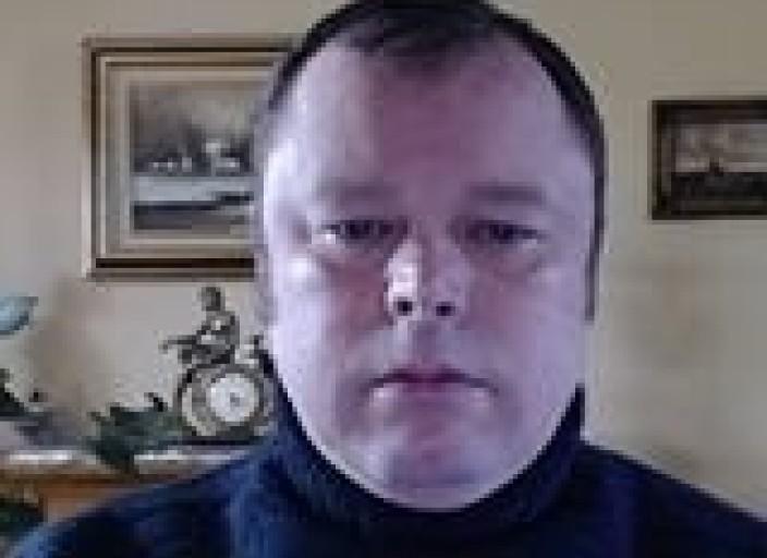 Homme 44 expert en cunnilingus