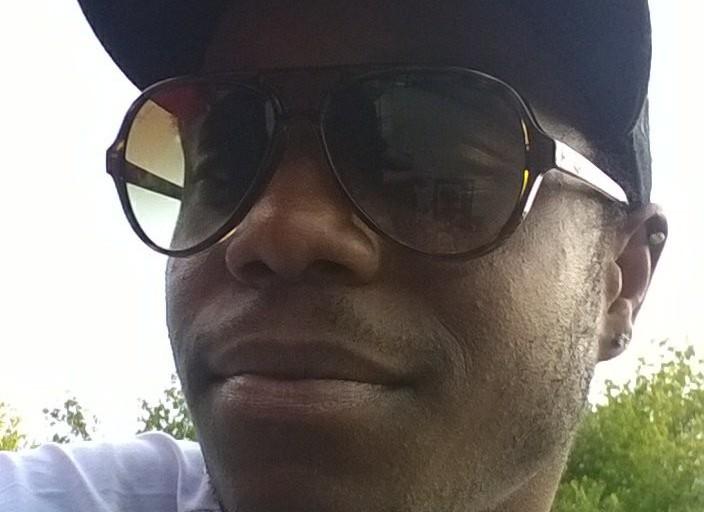 black 26 ans cherche partenaire pour jouer jouer ;.