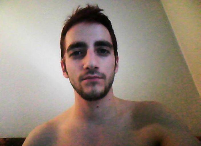 Salut, je suis de Bordeaux et à la cherche une femme.