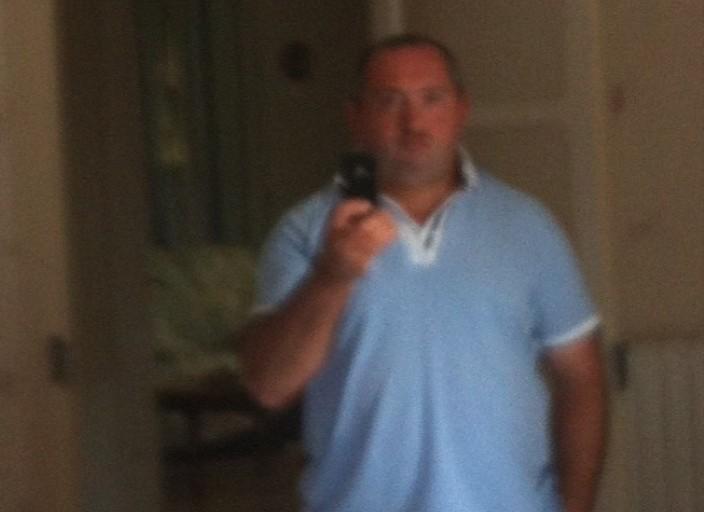 Homme 40 célibataire recherche femme pour calins
