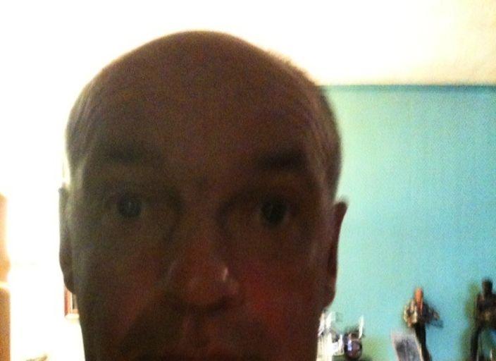 bonjour je suis thierry un homme de 53 ans demeurant a.