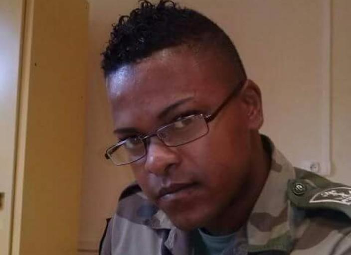 Jeune homme Cafre recherche Trans