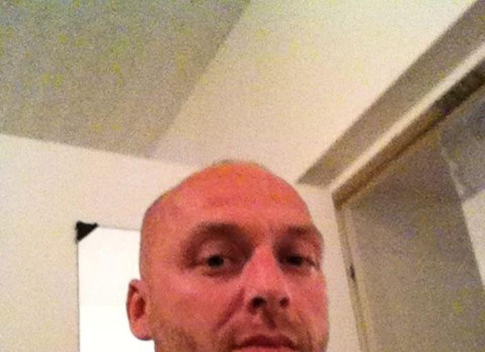 homme 35 1,77 72kl blon et yeux bleu,et endurant ,.