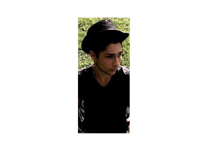 Jeune homme sur Grenoble