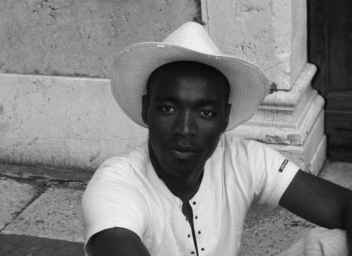 Jeune Homme Black recherche Femme pour plaisir par.