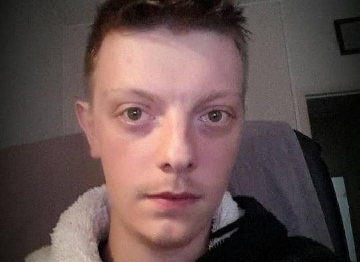 Jeune homme de 24 ans cherche moment hot avec demo.