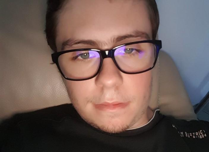 Cherche une femme pour cam sur Skype