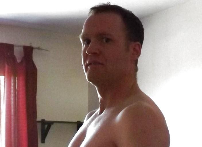 Homme 34 ans recherche travesti ou trans