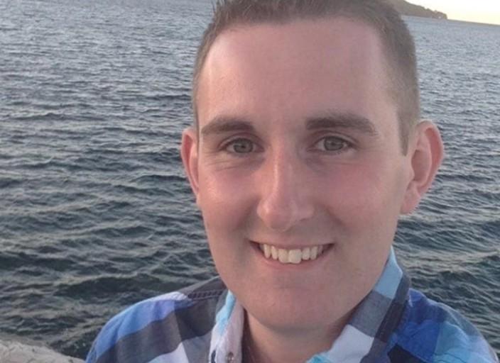 Jeune homme de 23 en recherche d'expérience