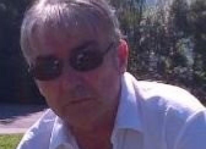 Homme bi 60 ans passif recherche un homme doux act.