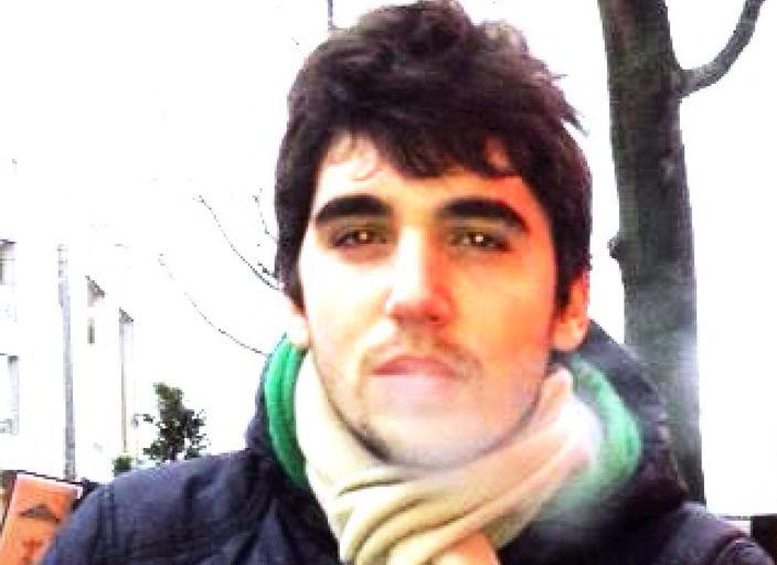 Bonjour, je mappelle Pierre , jai 19 ans, très peu.