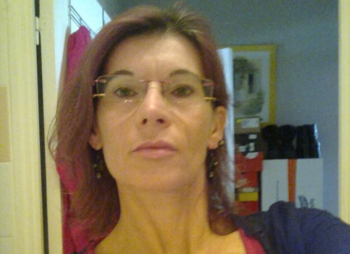 je suis une femme bi de 47 ans qui recherche des f.