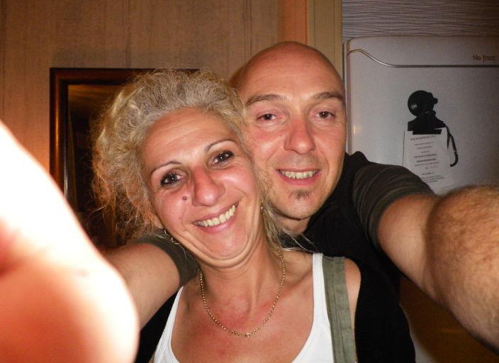 couple 40 ans cherche femme pour soiree coquine.