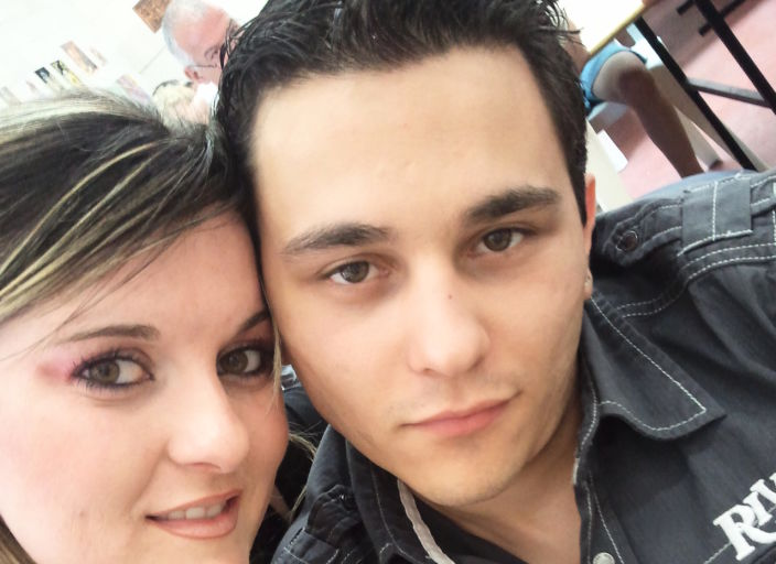 Jeune couple recherche une femme pour première ex.
