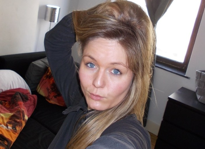 Jeune femme de 28 ans cherche une jeune femme entr.