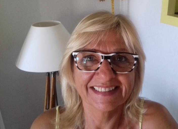 Femme bi 60 ans