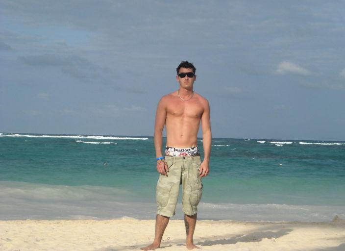 jeune homme 23ans cherche femmes pour rencontre Mo.