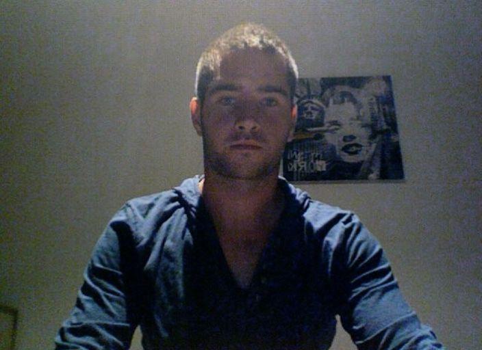 Jeune homme 21 ans pour une rencontre coquine